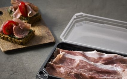 Black tray with hinged clear lid for sliced meat or cheese - Plus Pack