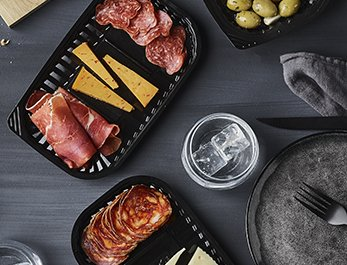 VistoPac™ food packaging Black VistoPac rPET trays with tapas, cheese selection and olives - Plus Pack