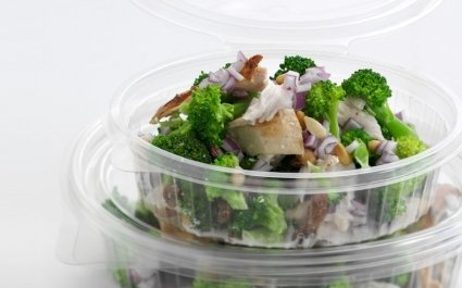 Clear ClearShow tray with hinged lid for salads - salad food packaging - Plus Pack